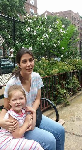 At the park with our niece.  En el parque con nuestra sobrina.