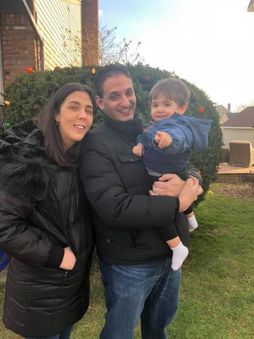 Enjoying Christmas with our nephew.  Disfrutando Navidad con nuestro sobrino.
