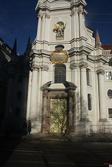Dreifaltigkeitskirche%20Portal_edited.jp