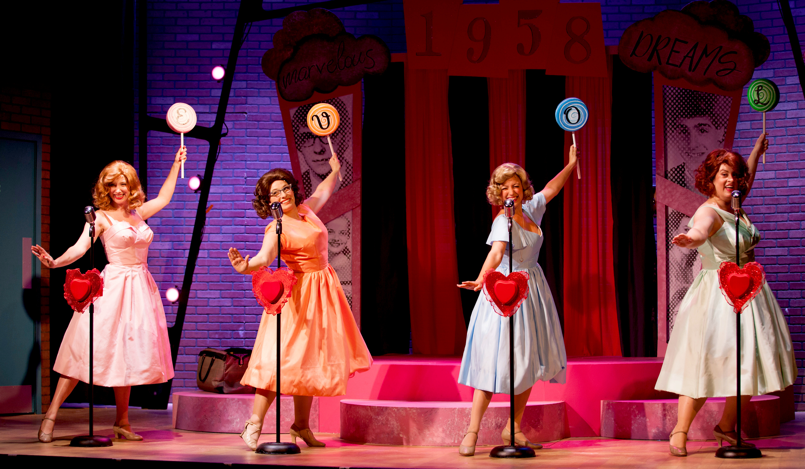 Kelsey-Boze-l.-Afton-Quast-Kelly-Klopocinski-Kate-Ponzio-in-The-Marvelous-Wonderettes_derek