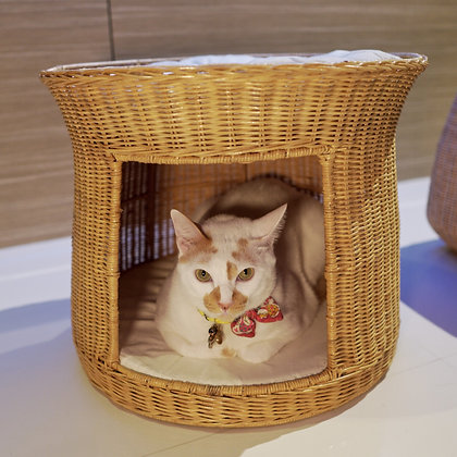 Cupcake Cat Bed - Natural