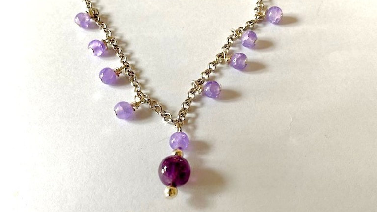 Purple beaded short necklace