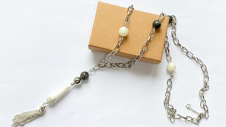 Dark grey agate, mother of pearl and howlite pendant