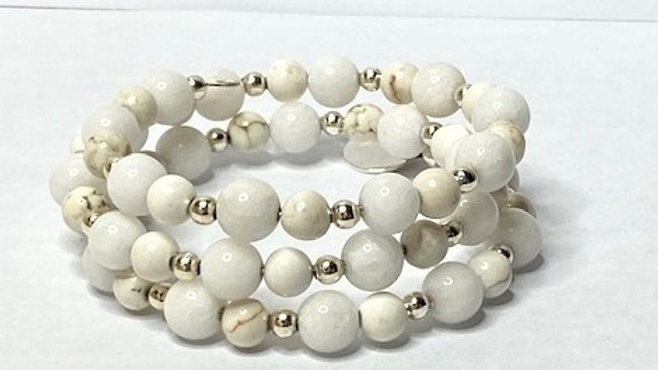 Stunning cream and white bracelet made with semi precious beads