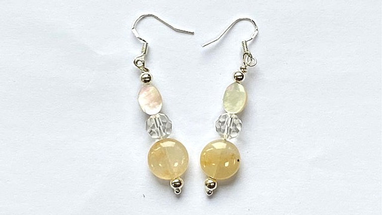 Agate and mother of pearl earrings