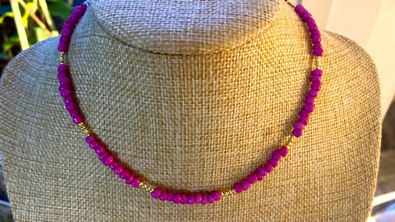 Pink and gold short beaded necklace