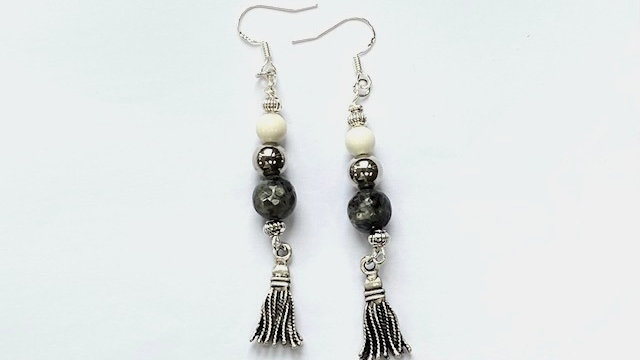 Dark grey agate and cream howlite dangly earrings
