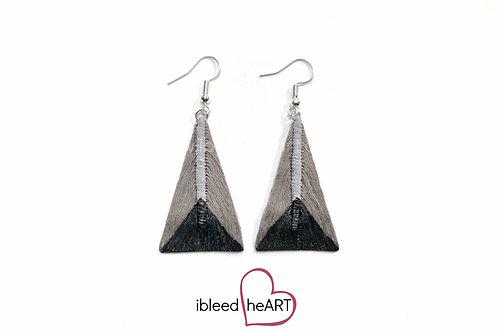 Black Dipped Gray Triangle Shape - #tr45