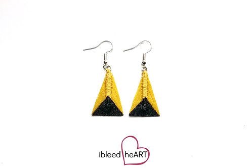 Black Dipped Yellow Triangle Shape - #tr33