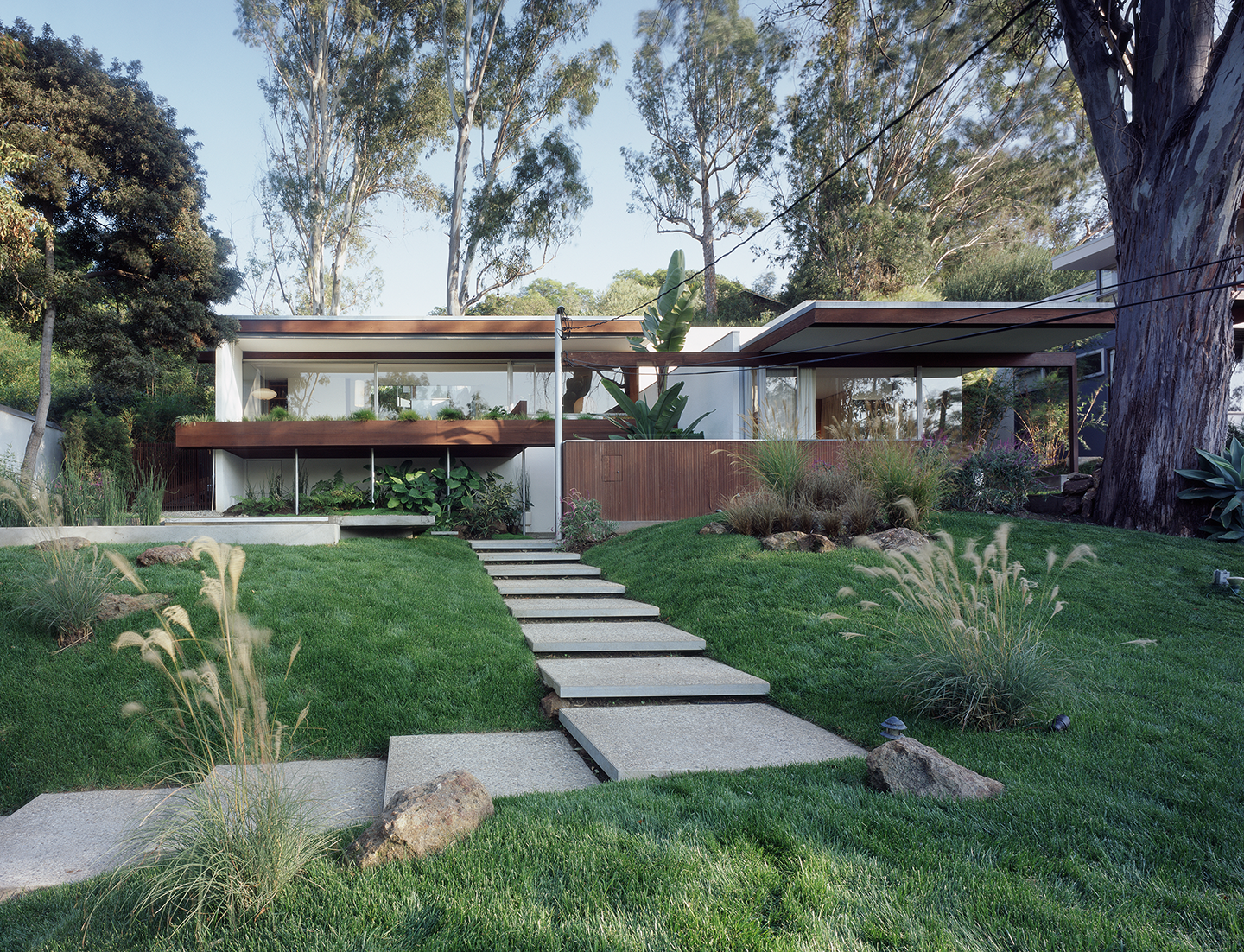 Neutra Front Entry