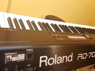 มารู้จักหน้าที่ของมือเปียโน, คีย์บอร์ด กันครับ