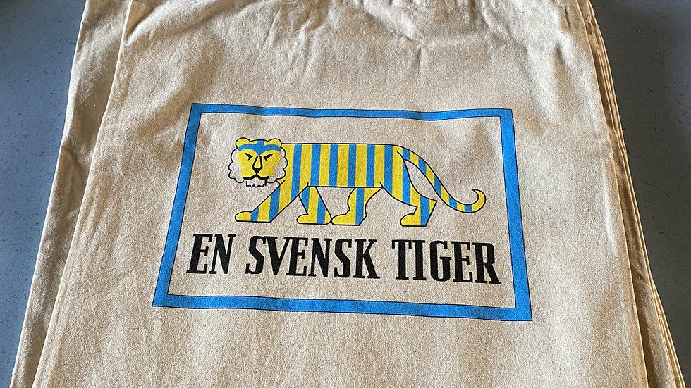"""Tygkasse """"En Svensk Tiger"""""""