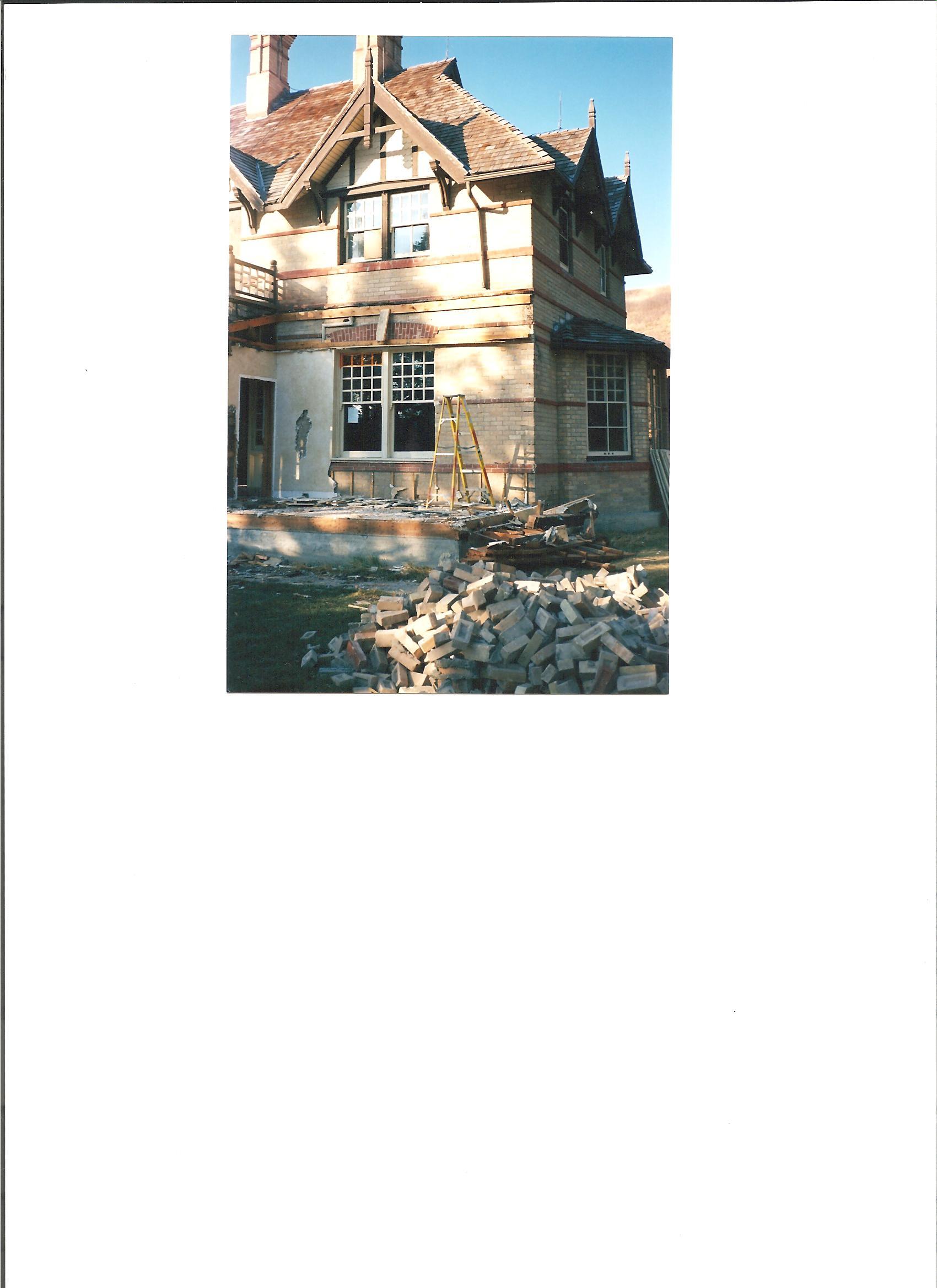 RancheHouse Exterior Construction 002