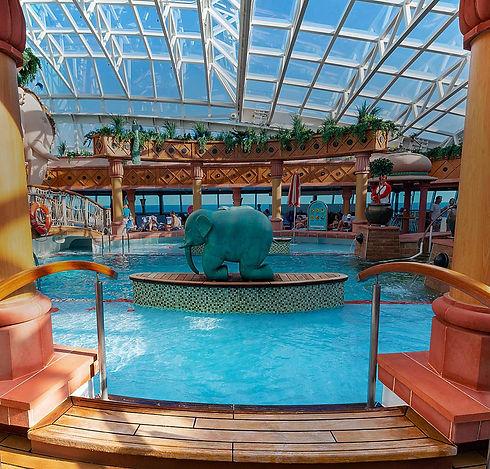 brilliance-of-the-seas-solarium-pool-ent