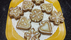 Eggless gingerbread cookies with icing