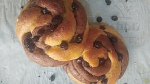 Choco chip swirl buns