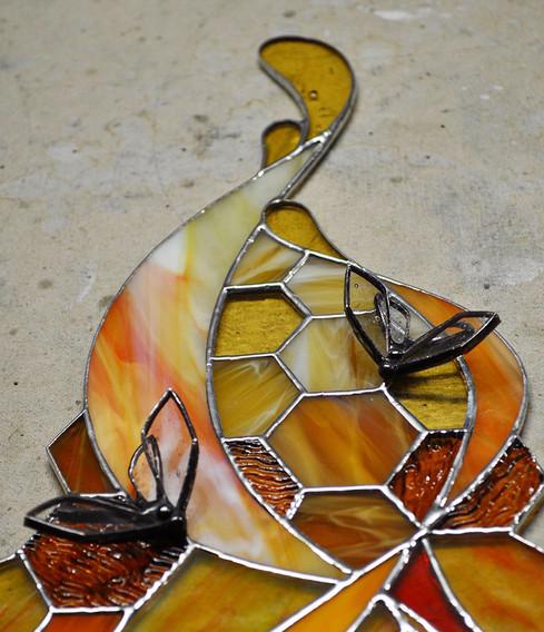 Honey Phoenix Tail & Bee Details