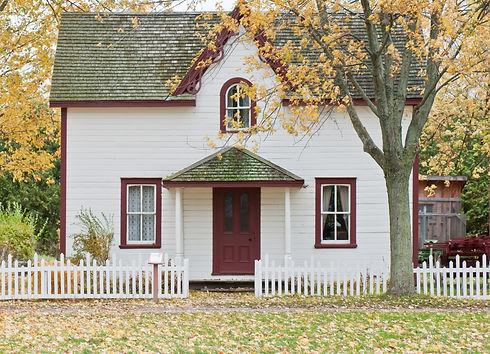 Small_house_on_an_autumn's_day_edited_edited.jpg