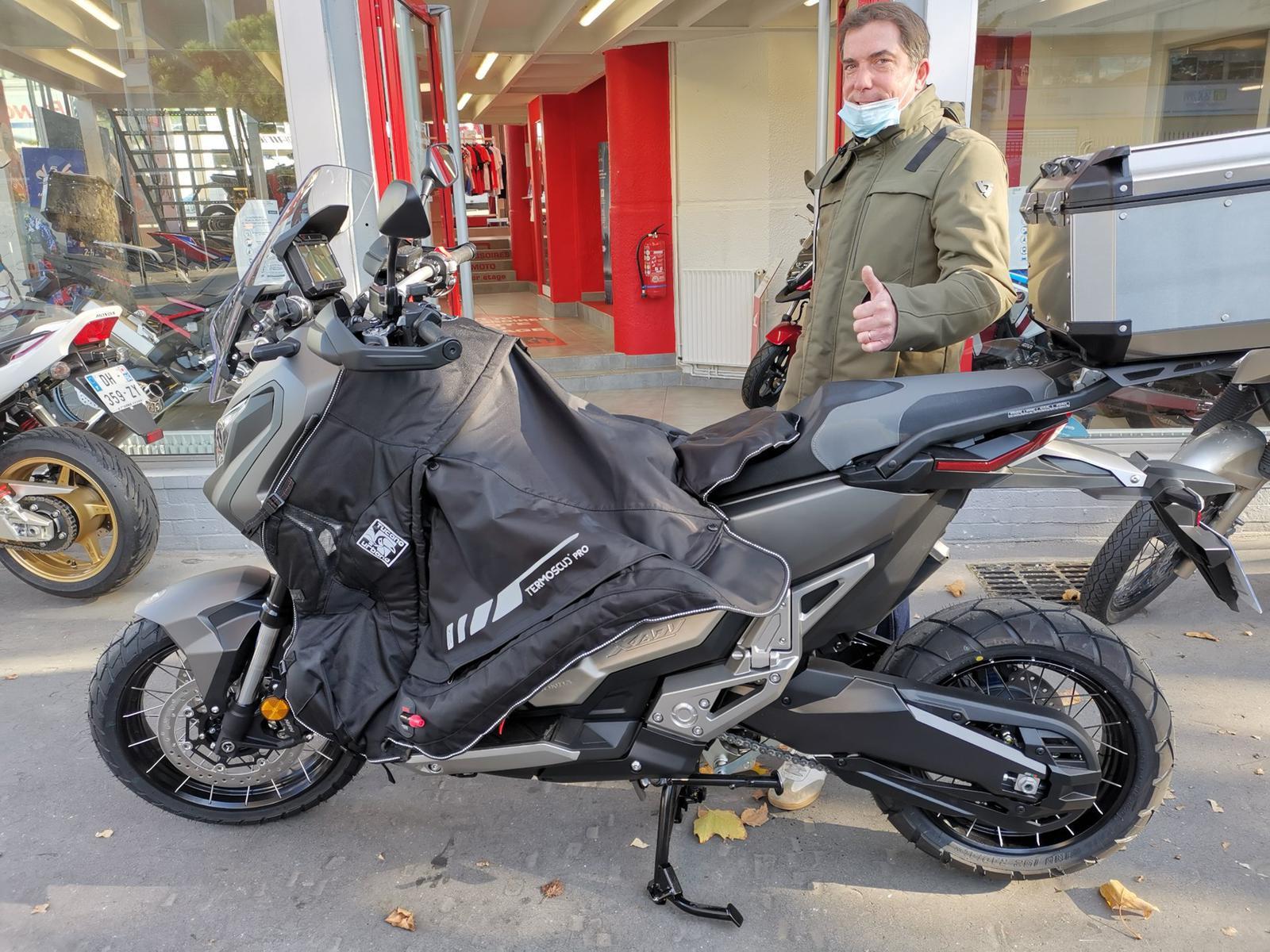 Livraison d'un Scooter HONDA X-ADV