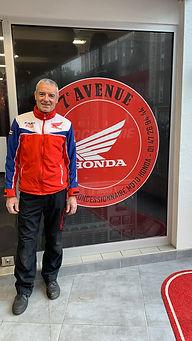 José chef d'atelier concession honda 7ème avenue