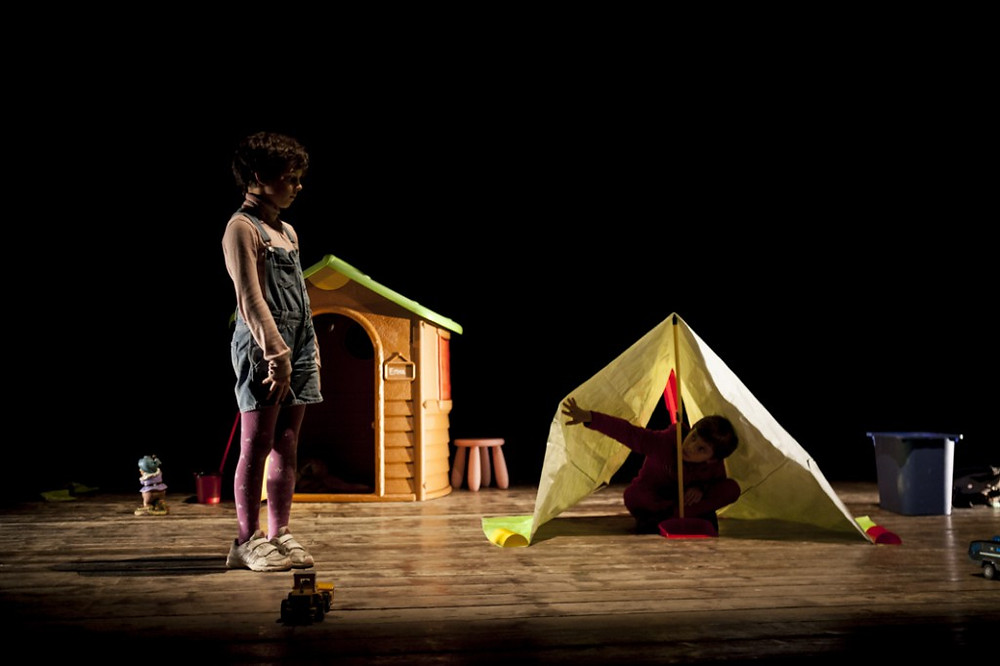 nella fotografia di Jacopo Niccoli sono presenti gli attori-bambini della prima rappresentazione, Elio Ciolfi e Emma Frediani