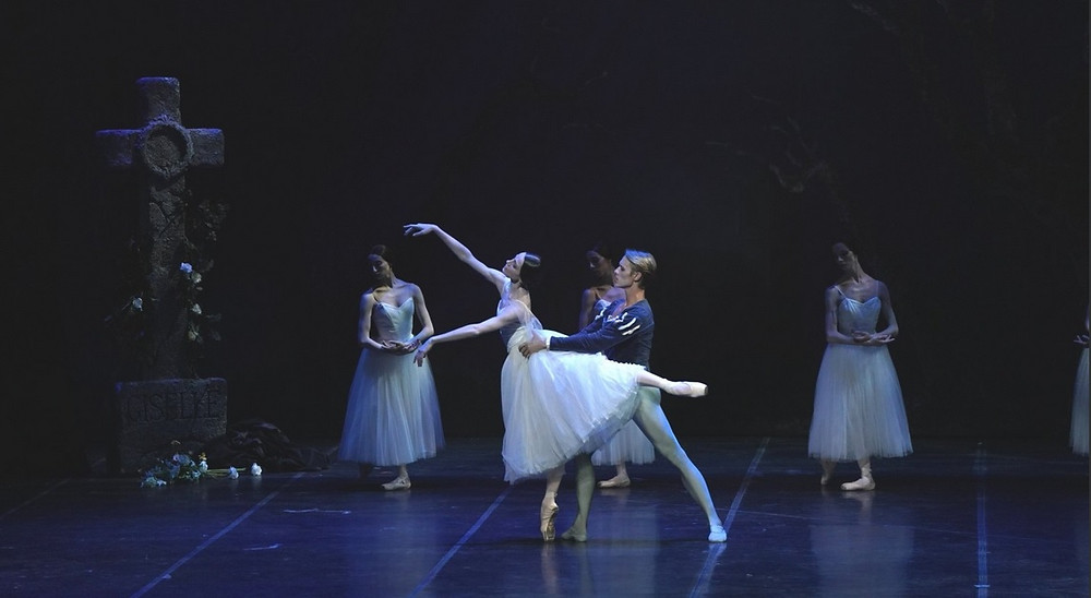 Svetlana Zakharova e David Hallberg in Giselle al Teatro alla Scala