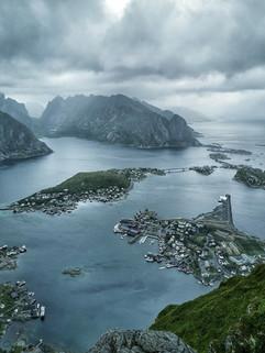 Reine dans les îles Lofoten.jpeg