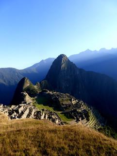 Lever_du_soleil_sur_Machu_Picchu_-_Pérou