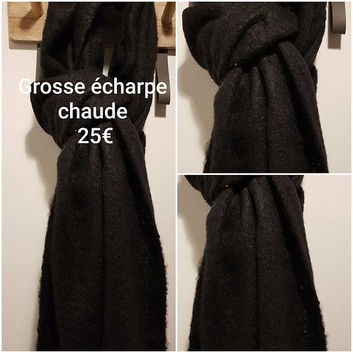 Grosse écharpe chaude noire