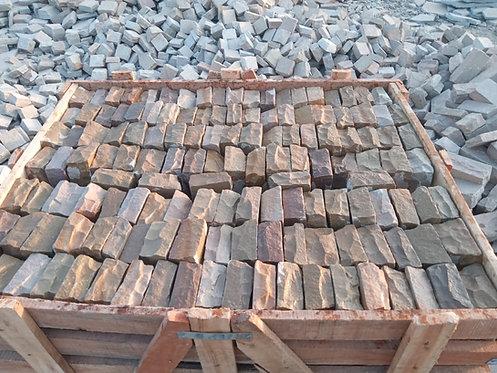Raj Lakeland Sandstone Cobbles 100x100mm