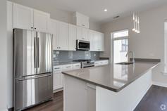 Kitchen 403 2.jpg