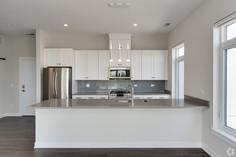 Kitchen 403 3.jpg