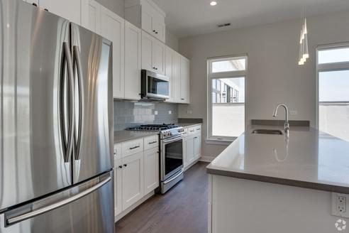 Kitchen 403.jpg