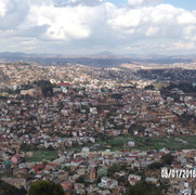 widok ze wzgórza pałącu Rova