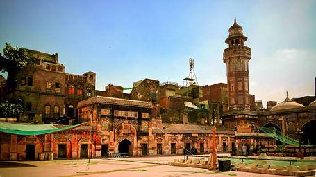 facade-of-wazir-khan-mosque-lahore-pakis