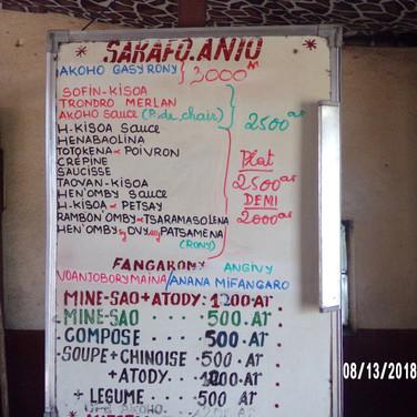 sakafo - jedzenie