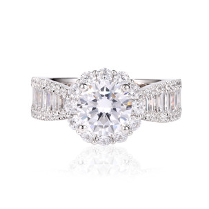 Diamond Ring in Halo Style