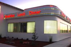 lucilles-diner-exterior-signage