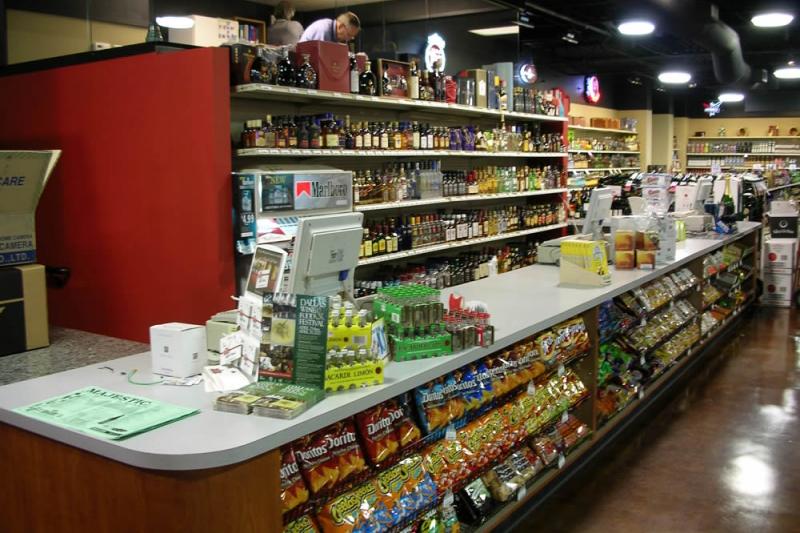 majestic-greenville-avenue-counter