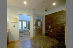 paul-pearce-cpa-bathroom