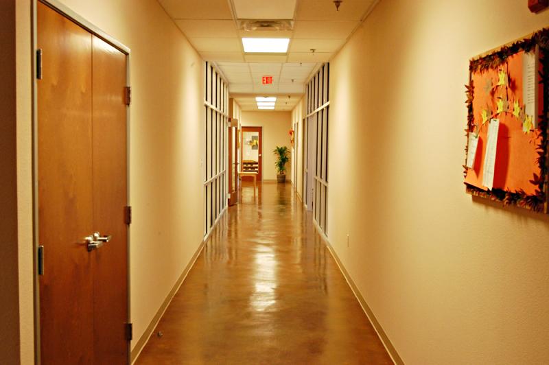 montessori-hallway
