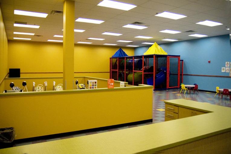 golds-gym-childrens-room-2