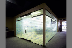 ch-robinson-conference-glass-wall