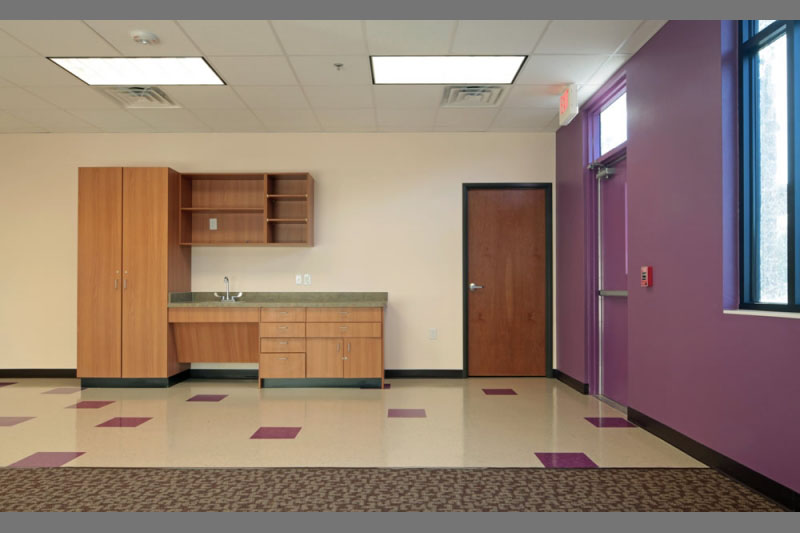 rockbrook-montesorri-classroom-purple