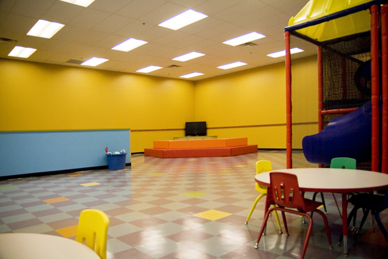 golds-gym-childrens-room