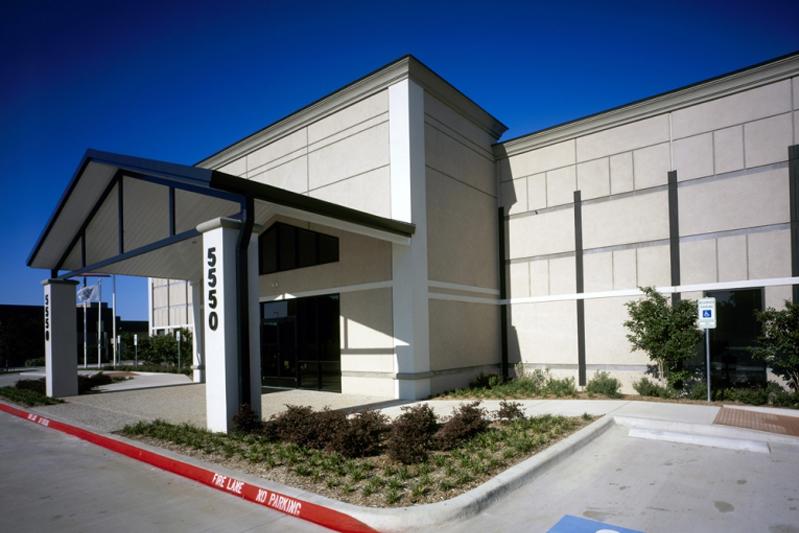 ch-robinson-portico-entrance