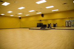 golds-gym-open-exercise-yoga-room