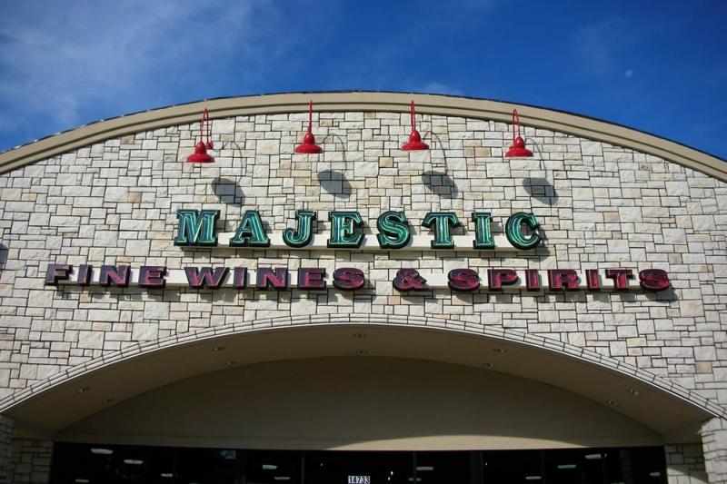 majestic-beer-wine-spirits-exterior-building-signage