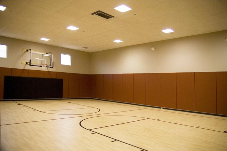 golds-gym-basketball-court