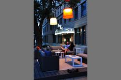 stoneleigh-exterior-seating-night